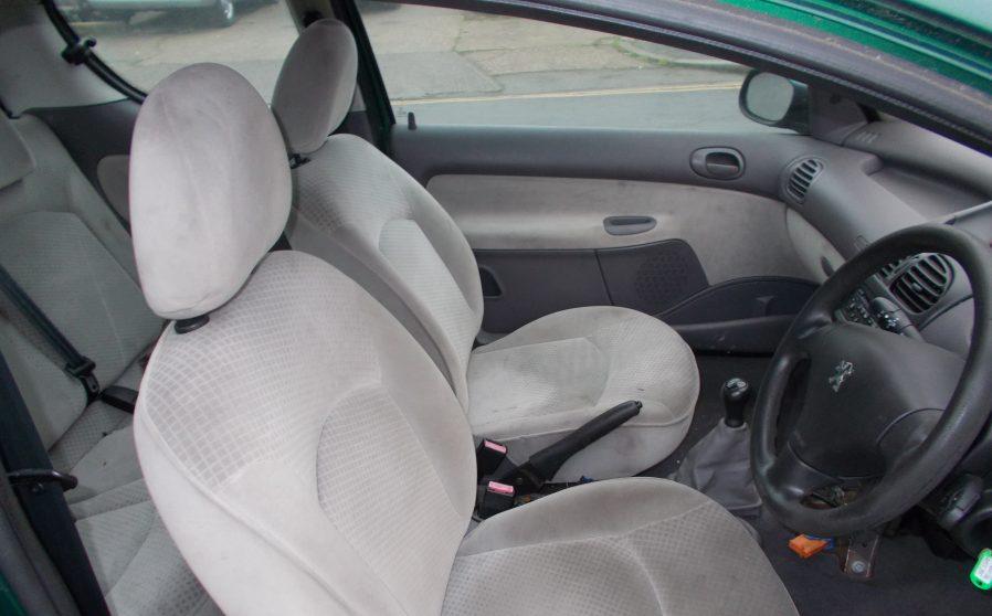 Peugoet 206 Green Driver Seat.