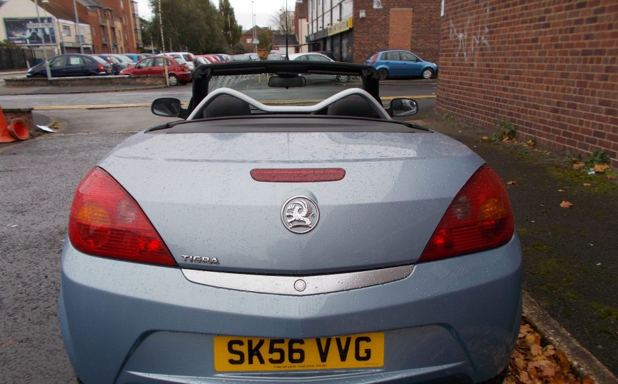 vauxhall-tigra-grey-vvg-back-open