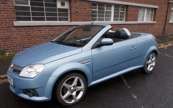 vauxhall-tigra-grey-vvg-front-offrside-open