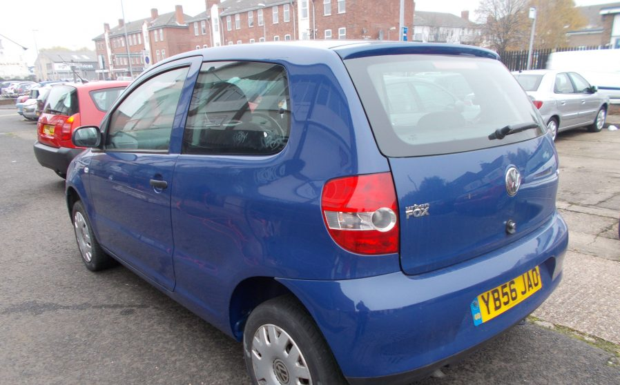vw-urban-fox-blue-back-offside